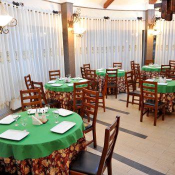 Intrare receptie restaurant casa doamnei
